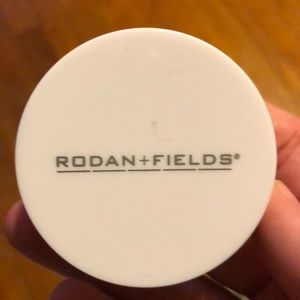 Rodan and fields mineral peptides- light